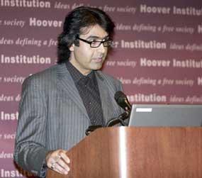 آرش نراقی - روشنفکر دینی معاصر
